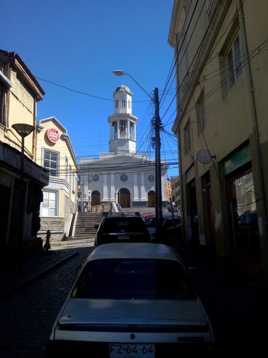Eglise Valparaiso barrio puerto