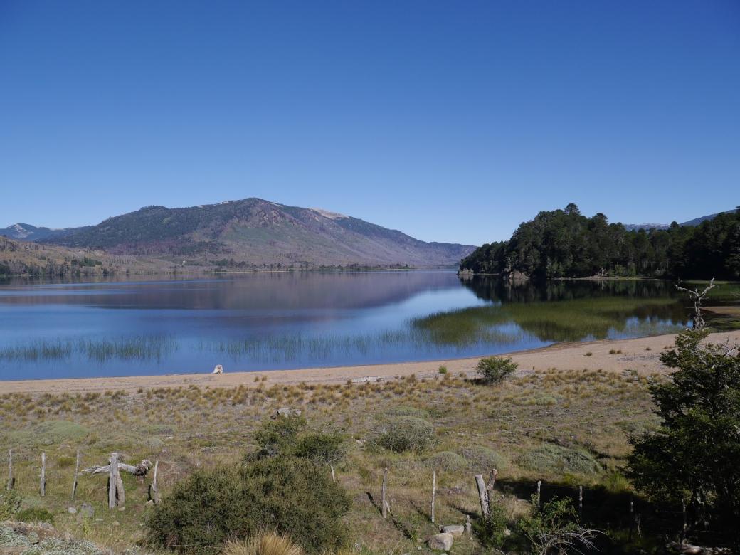 Lac de Norquinco dans la province de Neuquen en Argentine