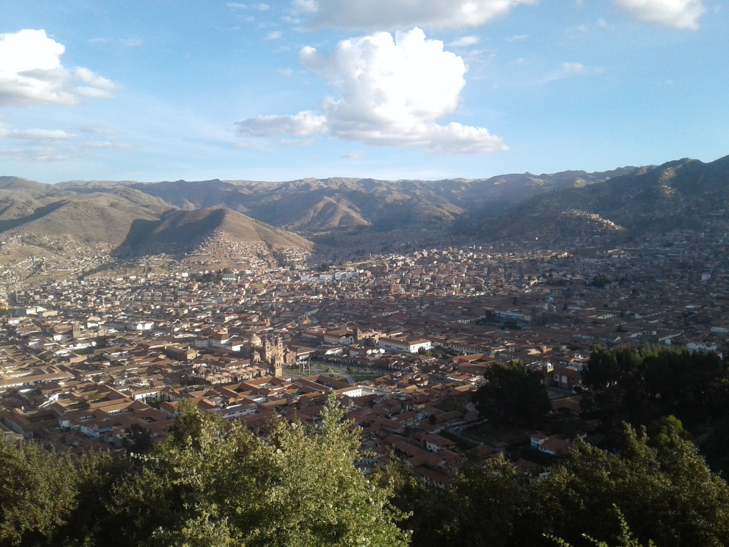 Vue depuis le mirador au pied du christo blanco à Cusco