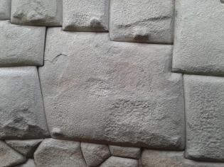 Pierre a douze 12 angles à Cuzco