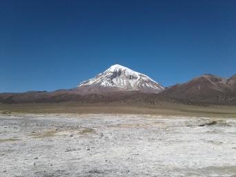 nevado sajama depuis les eaux chaudes naturelles